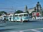 八十年代初古朴环保的城市公交车(组图)/